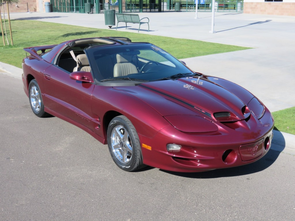 2000 Pontiac Trans Am on pontiac firebird hood