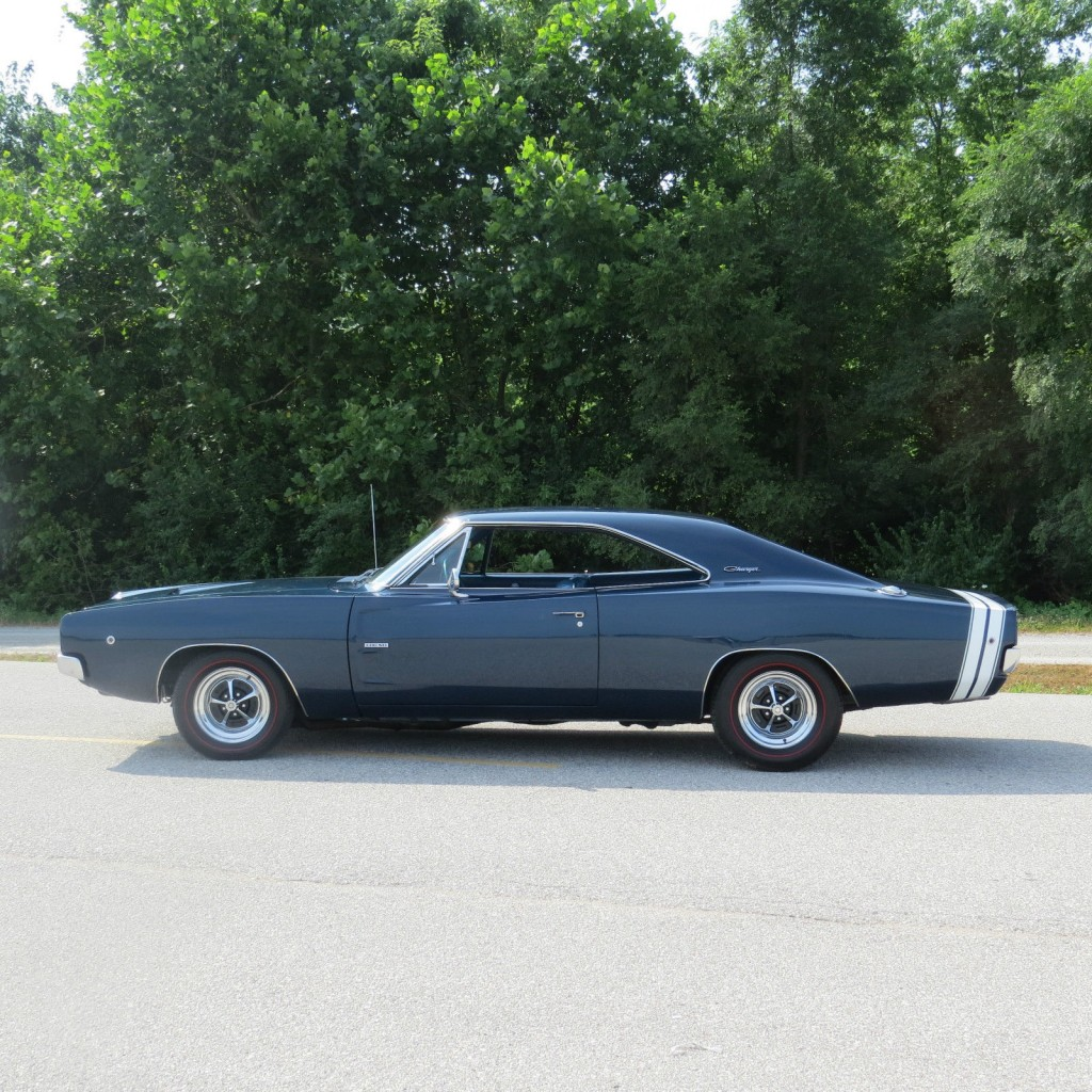 1968 Dodge Charger Rt 2 on pontiac firebird hood