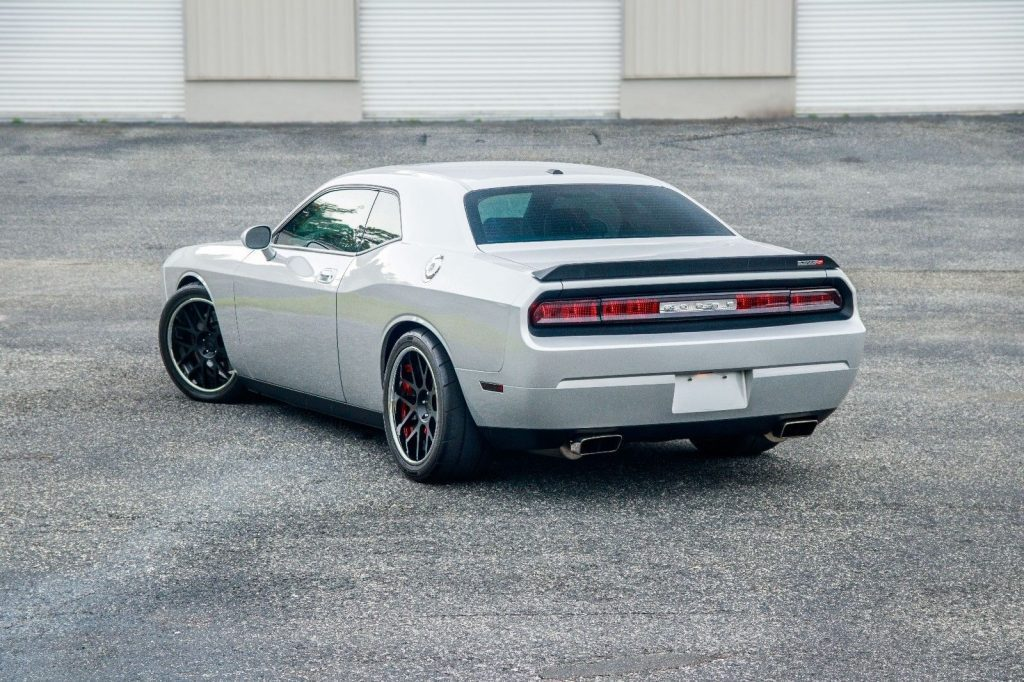 2010 dodge challenger srt8 for sale. Black Bedroom Furniture Sets. Home Design Ideas