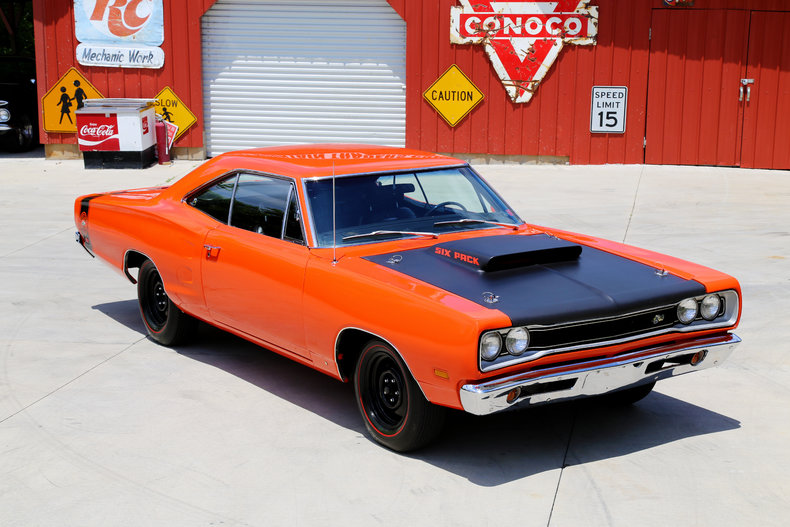 1969 Dodge Coro  Super Bee 440 Six Pack Hardtop Coupe WM23 muscle classic likewise 1969 Dodge Charger 440 4spd further 1969 DODGE SUPER BEE 2 DOOR HARDTOP 132746 furthermore 1048883 new Versus Old Dodge Challenger  parison in addition 372039619188898950. on dodge 440 six pack engine